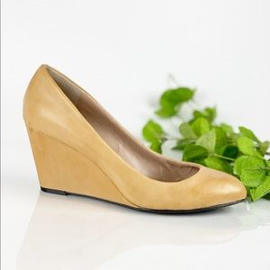 Vince Camoto Melle Nude Wedge Pointed Toe